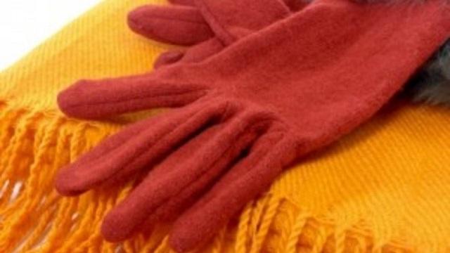 クリスマスイベント お客様へのプレゼント マフラー、手袋