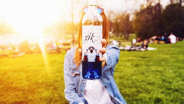 青いワインGik(ジック)の飲み方