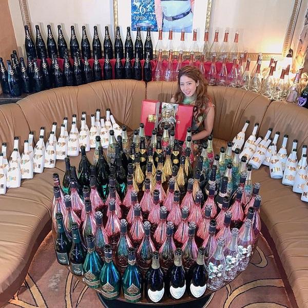 エンリケさんが人気のシャンパンSoumei(ソウメイ)でシャンパンタワー